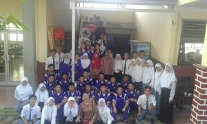 Foto bareng siswa MM